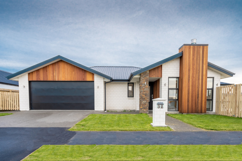New Zealand Certified Builders ; Front view of a house.